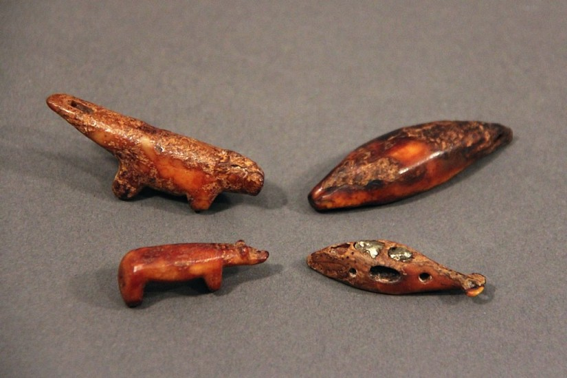 OBS Anonymous, Whale amulet Punuk-Thule, ivory