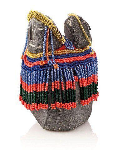 Eva Talooki Aliktaluk, Mother and child c. 1980-1989, Stone, beads